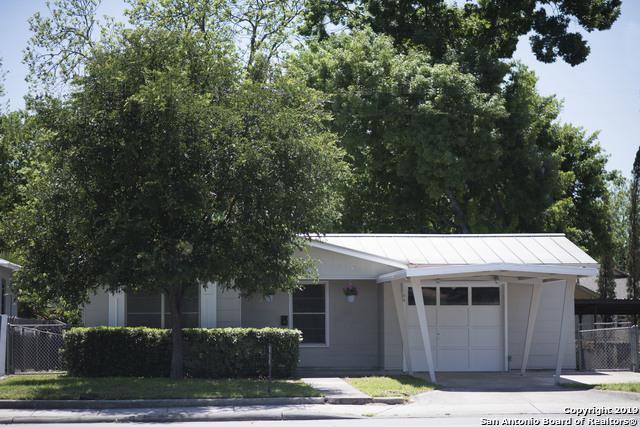 1700 W Hildebrand Ave, San Antonio, TX 78201 (MLS #1393299) :: Alexis Weigand Real Estate Group
