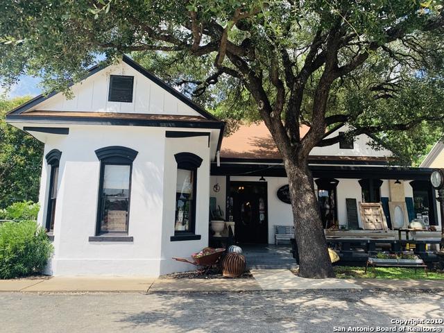 702 Front St, Comfort, TX 78013 (MLS #1393364) :: Tom White Group