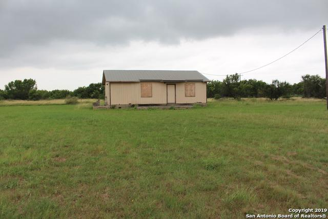 1665 State Highway 173 N, Devine, TX 78016 (MLS #1393463) :: Vivid Realty