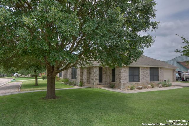 920 Eagles Nest, New Braunfels, TX 78130 (MLS #1393528) :: Neal & Neal Team