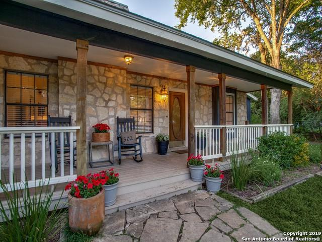 502 Hickman St, Boerne, TX 78006 (MLS #1393604) :: Exquisite Properties, LLC