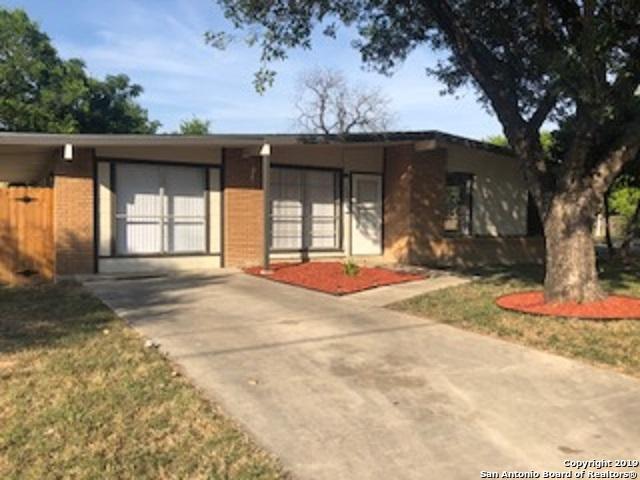 330 Laddie Pl, San Antonio, TX 78201 (MLS #1393609) :: Neal & Neal Team