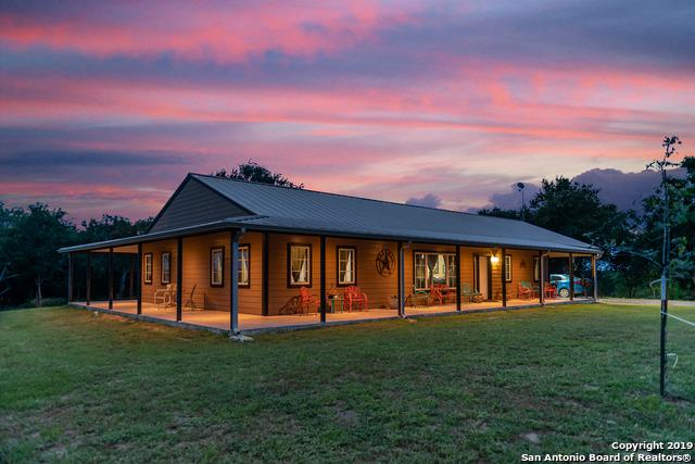 611 Pleasant Acres Dr, Seguin, TX 78155 (MLS #1393877) :: Alexis Weigand Real Estate Group