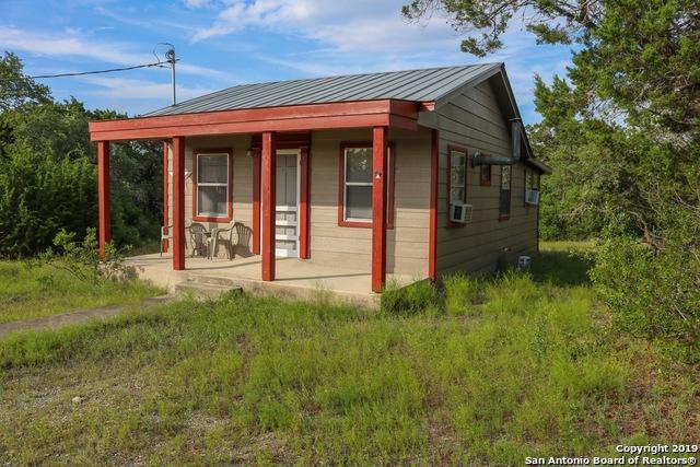 1820 Private Road 233, Hondo, TX 78861 (MLS #1394174) :: BHGRE HomeCity