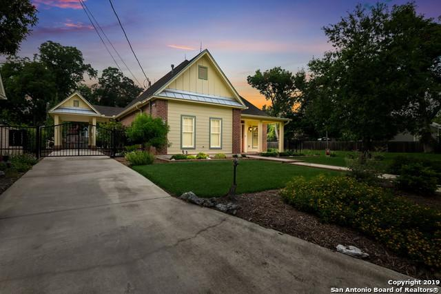 746 W Mill St, New Braunfels, TX 78130 (#1394466) :: The Perry Henderson Group at Berkshire Hathaway Texas Realty