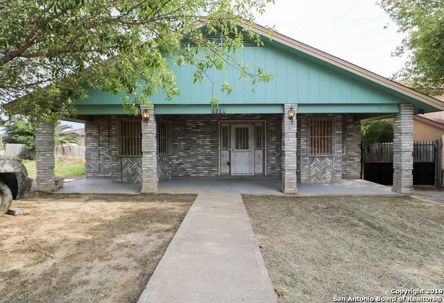 3130 Columbia Dr, Laredo, TX 78046 (MLS #1394521) :: Alexis Weigand Real Estate Group