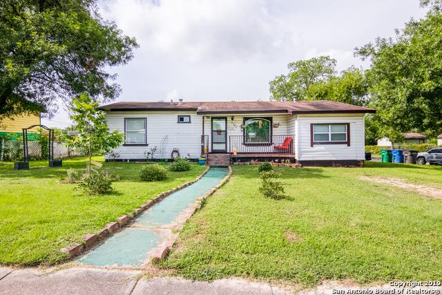 3202 E Southcross Blvd, San Antonio, TX 78223 (MLS #1394539) :: BHGRE HomeCity