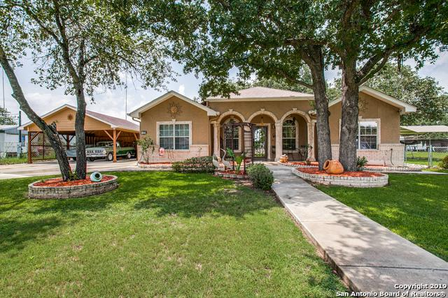 129 Heather Hollow, Natalia, TX 78059 (MLS #1394558) :: The Castillo Group