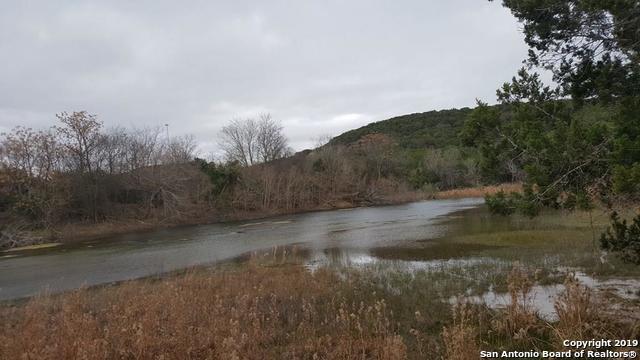 1450 Nixon Ln S, Kerrville, TX 78028 (MLS #1394892) :: Reyes Signature Properties