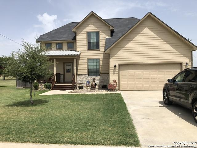 118 Nottingham, Kenedy, TX 78119 (MLS #1394947) :: BHGRE HomeCity