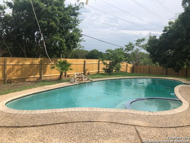 16903 Vista Briar Dr, San Antonio, TX 78247 (MLS #1395038) :: Alexis Weigand Real Estate Group