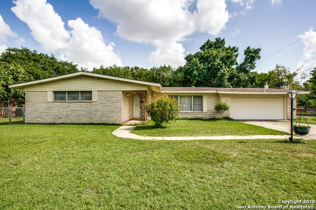200 Atwater Dr, Castle Hills, TX 78213 (MLS #1395326) :: The Castillo Group