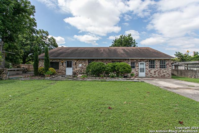 4628 Aloha Dr, San Antonio, TX 78219 (MLS #1395518) :: Carolina Garcia Real Estate Group