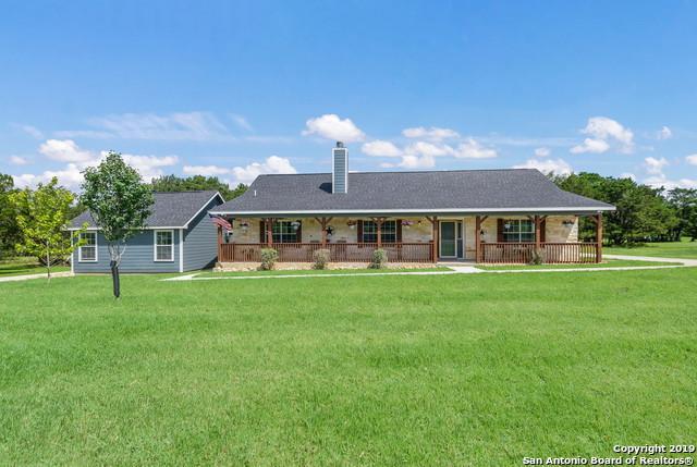 21674 Valley Park Dr, Garden Ridge, TX 78266 (MLS #1395596) :: Tom White Group