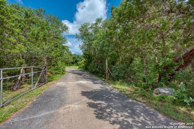 19027 Chimney Creek Rd, Helotes, TX 78023 (MLS #1395699) :: Alexis Weigand Real Estate Group