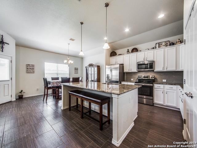 120 Lark Hill Rd, Floresville, TX 78114 (MLS #1395774) :: The Castillo Group