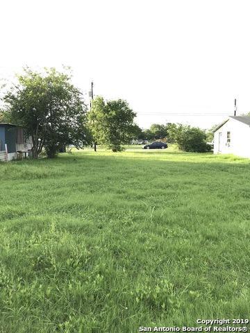 319 E Klein St, Marion, TX 78124 (MLS #1396528) :: The Gradiz Group