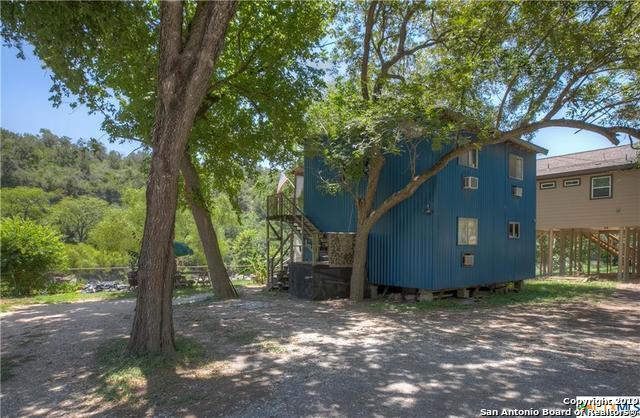 7260 River Rd, New Braunfels, TX 78132 (MLS #1396535) :: The Gradiz Group