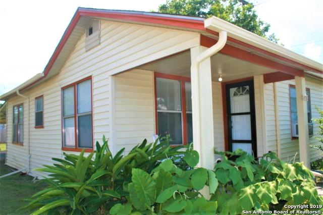 438 W Baetz Blvd, San Antonio, TX 78221 (MLS #1396914) :: BHGRE HomeCity