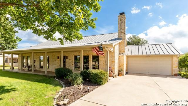 2908 Dry Hollow Dr, Kerrville, TX 78028 (MLS #1396987) :: Glover Homes & Land Group
