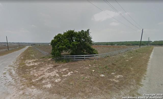 402 Clover Ln, La Vernia, TX 78121 (MLS #1397041) :: The Mullen Group | RE/MAX Access