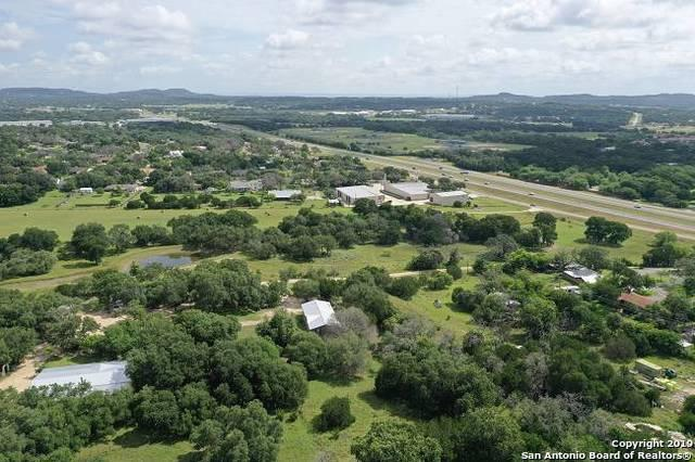 7 Becker Ln, Boerne, TX 78006 (MLS #1397087) :: Exquisite Properties, LLC