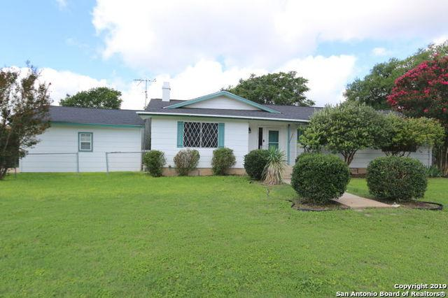 1002 Athens, Castroville, TX 78009 (MLS #1397088) :: Exquisite Properties, LLC
