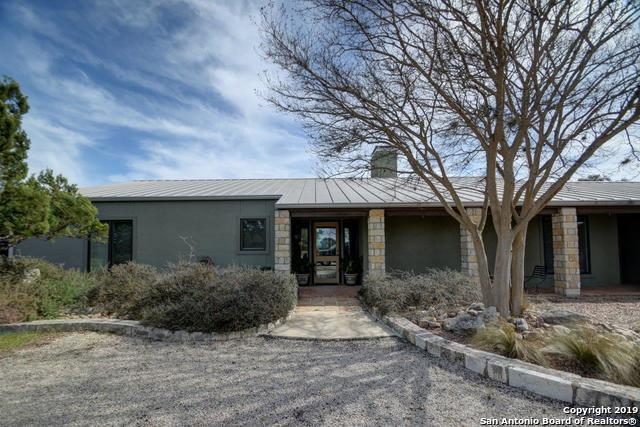 121 Deer Park Ln, Kerrville, TX 78028 (MLS #1397206) :: Glover Homes & Land Group
