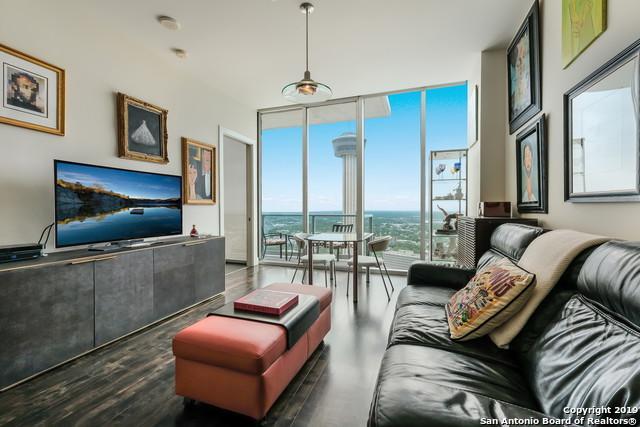 600 E Market St #3217, San Antonio, TX 78205 (MLS #1397388) :: Berkshire Hathaway HomeServices Don Johnson, REALTORS®