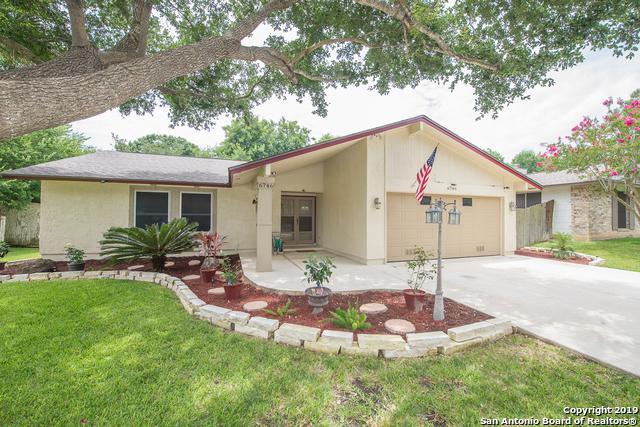 6746 Glen Fair, San Antonio, TX 78239 (MLS #1397613) :: The Gradiz Group