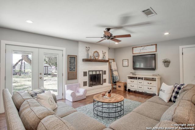 455 Lark Ln, New Braunfels, TX 78132 (MLS #1397623) :: The Mullen Group | RE/MAX Access