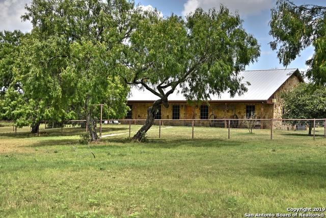 261 County Road 312, George West, TX 78022 (MLS #1397912) :: Erin Caraway Group