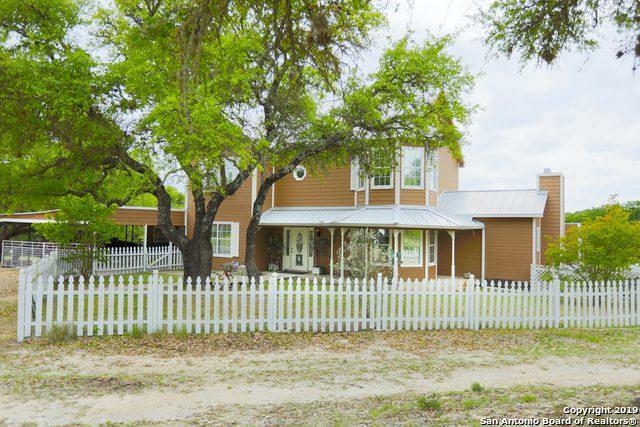 985 Klein-Ahrens Rd, Fredericksburg, TX 78624 (MLS #1398106) :: ForSaleSanAntonioHomes.com