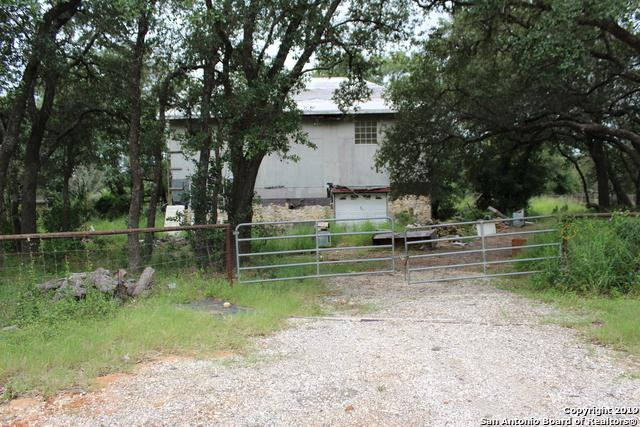 1027 Gayle Ln, Poteet, TX 78065 (MLS #1398313) :: The Mullen Group | RE/MAX Access