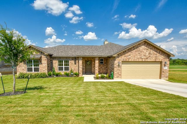 112 Grand View, Floresville, TX 78114 (MLS #1398320) :: BHGRE HomeCity