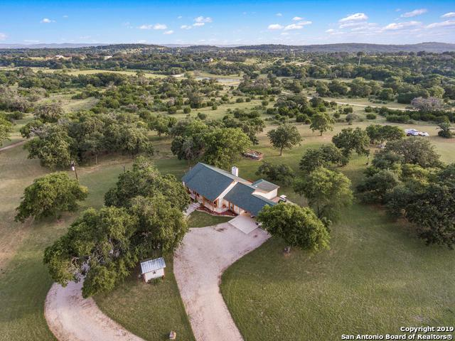 191 Oak Hollow Ln, Bandera, TX 78003 (MLS #1398497) :: Exquisite Properties, LLC