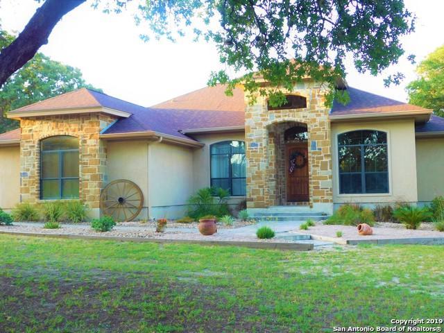 260 Legacy Trail Dr, La Vernia, TX 78121 (MLS #1398777) :: Glover Homes & Land Group