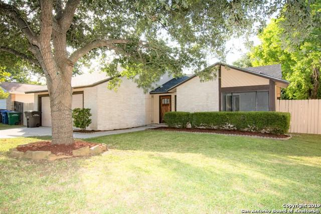 5951 Kissing Oak St, San Antonio, TX 78247 (MLS #1398824) :: Berkshire Hathaway HomeServices Don Johnson, REALTORS®