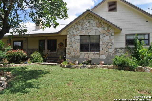 2811 Forest Trail Dr, Bandera, TX 78003 (MLS #1398995) :: Glover Homes & Land Group