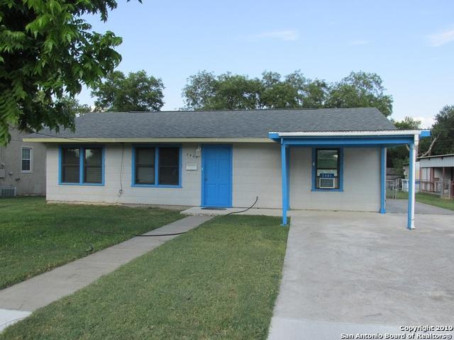 2401 Avenue E, Hondo, TX 78861 (MLS #1399058) :: The Gradiz Group