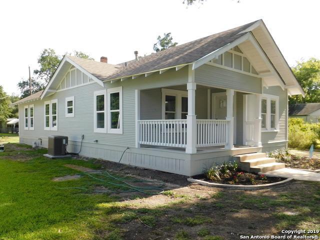 1015 Bismark St, Seguin, TX 78155 (MLS #1399202) :: The Mullen Group | RE/MAX Access