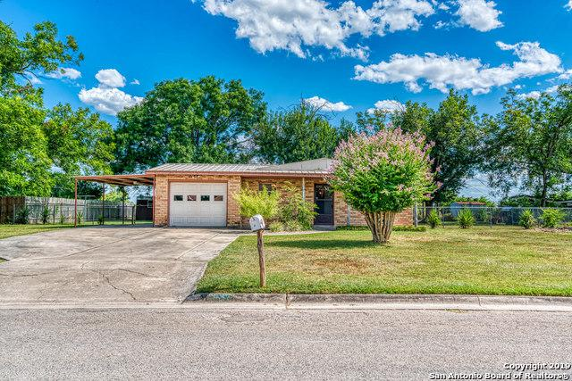 1155 32ND ST, Hondo, TX 78861 (MLS #1399299) :: Glover Homes & Land Group