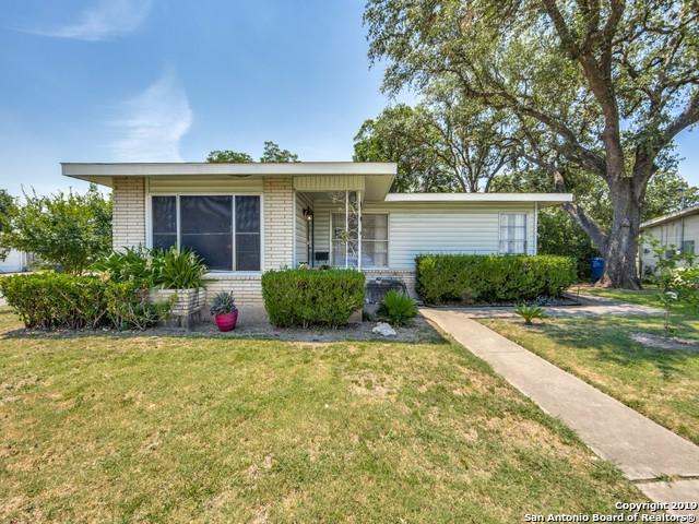 303 E Glenview Dr, San Antonio, TX 78201 (MLS #1399348) :: The Castillo Group