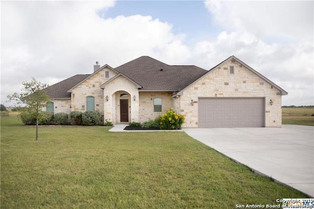 208 Kimbrough Rd, Seguin, TX 78155 (MLS #1399538) :: The Gradiz Group