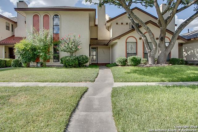 5845 Royal Ridge, San Antonio, TX 78239 (MLS #1399637) :: BHGRE HomeCity