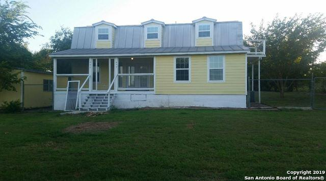 697 Sassman Rd, Marion, TX 78124 (MLS #1399701) :: The Gradiz Group