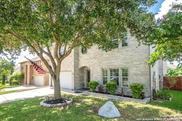 136 Springtree Hollow, Cibolo, TX 78108 (MLS #1399725) :: The Gradiz Group