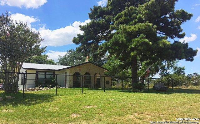 906 Thomas Rd, Poteet, TX 78065 (MLS #1399937) :: The Mullen Group | RE/MAX Access
