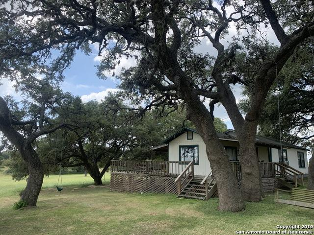 614 Live Oak Dr, La Vernia, TX 78101 (MLS #1399976) :: Alexis Weigand Real Estate Group