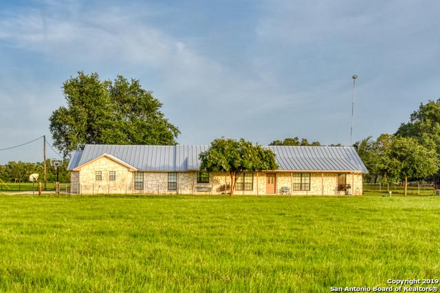 2954 County Road 302, Floresville, TX 78114 (MLS #1400005) :: Alexis Weigand Real Estate Group